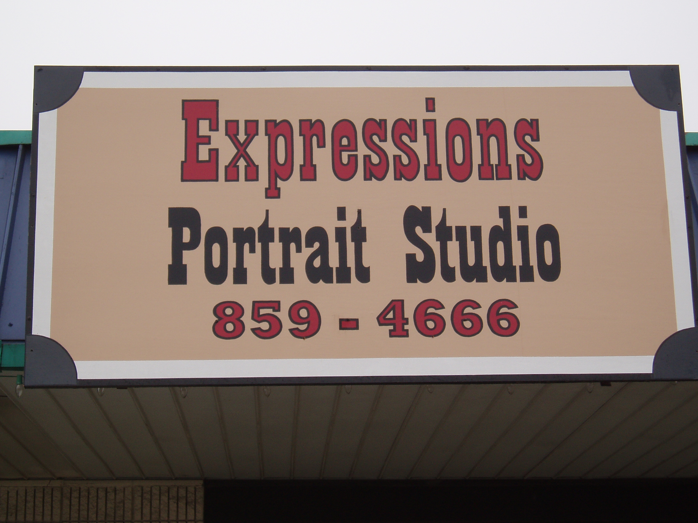 Hand Painted Signs_Expressions Portrait Studio MIssouri.JPG