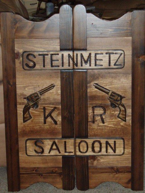 Steinmetz Saloon western saloon doors with pistols
