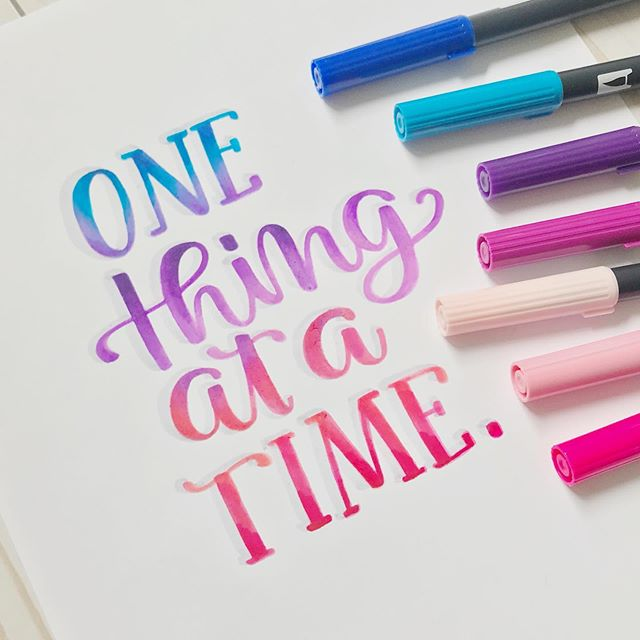 I have to remind myself this everyday! There is nothing more powerful than being present and taking it one step at a time, moment to moment! Does taking things one at a time come naturally for you? . . . #brushcalligraphy #heartfeltlettering #heartfeltquotes #handletteringdaily #createdtocreate  #tombowdualbrushpens