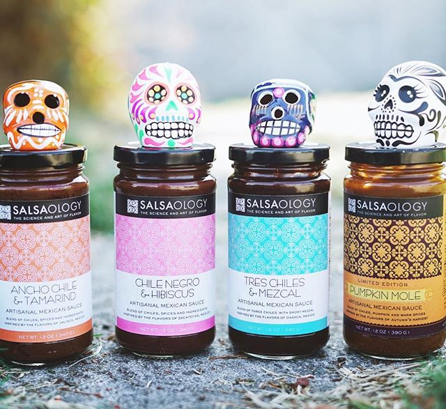 Remembering our loved ones that have past and celebrating the dead 💀 with our beautiful 🇲🇽tradition of #DiaDeLosMuertos . . .#dayofthedead #salsameansSAUCE #mexicanfood #mole #ilovemole #sauce #saucy #cleaneating #glutenfree #paleo #homecooking #easyrecipe #salsa #wholefoods #thekitchn #f52grams #foodandwine #foodies