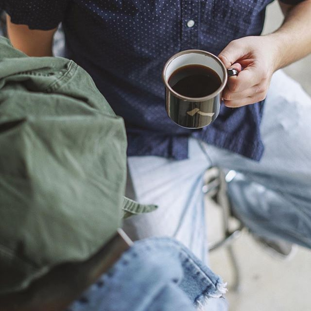 Monday afternoons at home ☕️👕