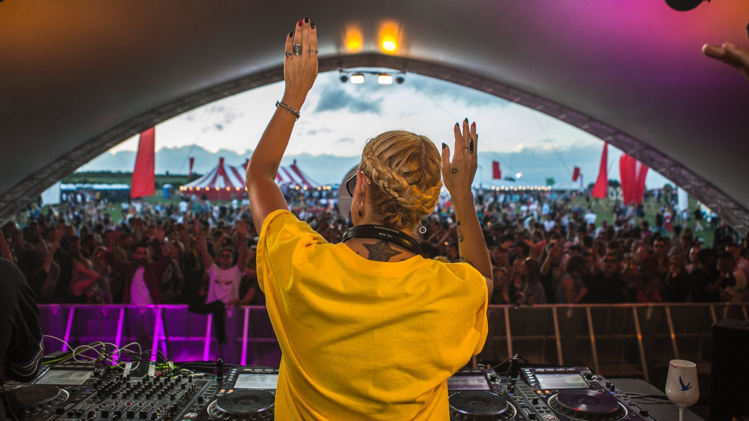 The amazing Heidi keeps the ravers on their toes at S&C 2018
