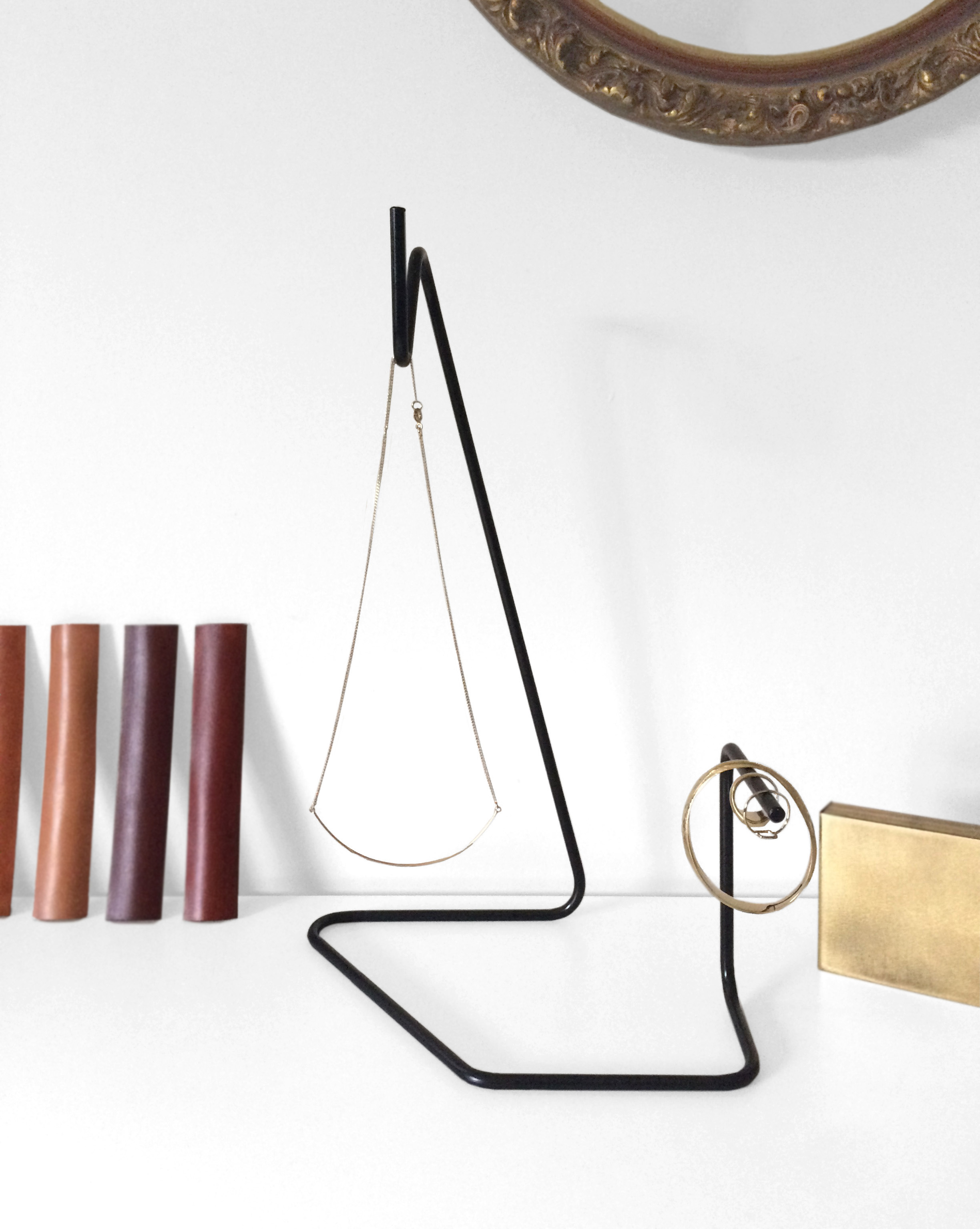 andrew-becker-design-bend-leather-wrapped-jewelry-stand-03.jpg