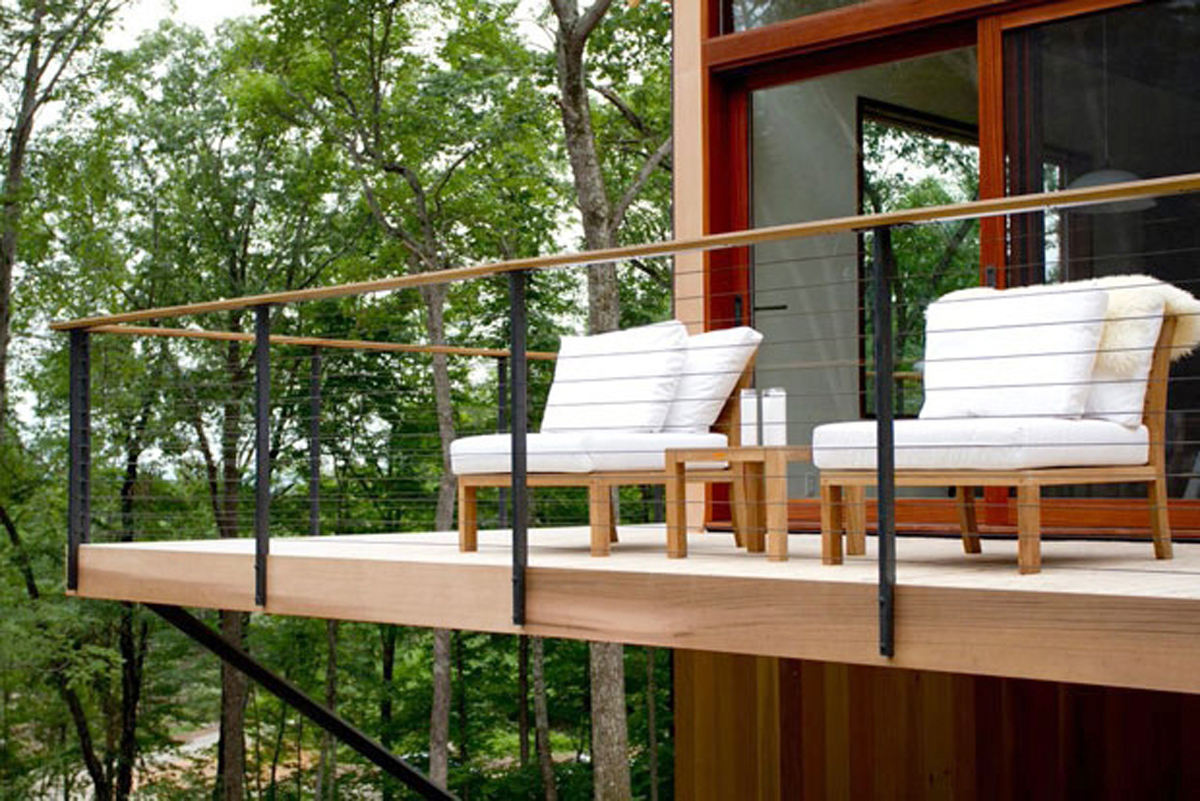 Custom Steel & Cable Railing Systems