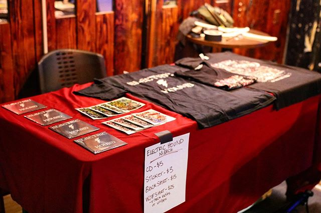 Did you know we have merch? ⚡️ All this and more is available at any upcoming show. *available online soon* . . 6/8 Tarzana 6/14 Costa Mesa 6/29 Montclair . 📷: @zombbratt #electrichound #electrichoundband #bandmerch #merchandise #shoottothrill #debutep #bandstickers #bandshirts #hardrock #classicrock #rocknroll #localband #supportlocalmusic #suestavern