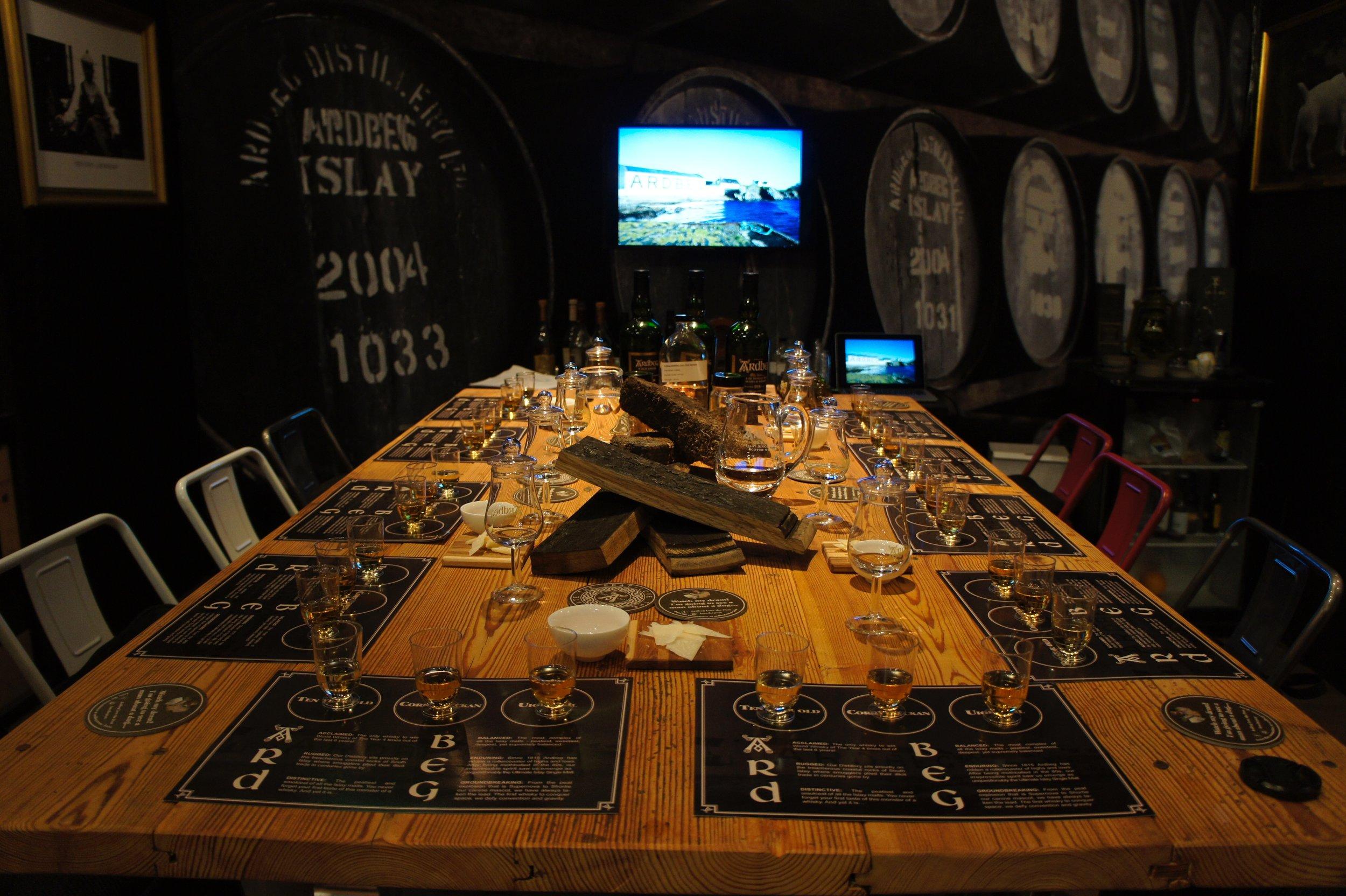 Dryckesbord till whiskymässa - Whiskymässa flera städer i Sverige