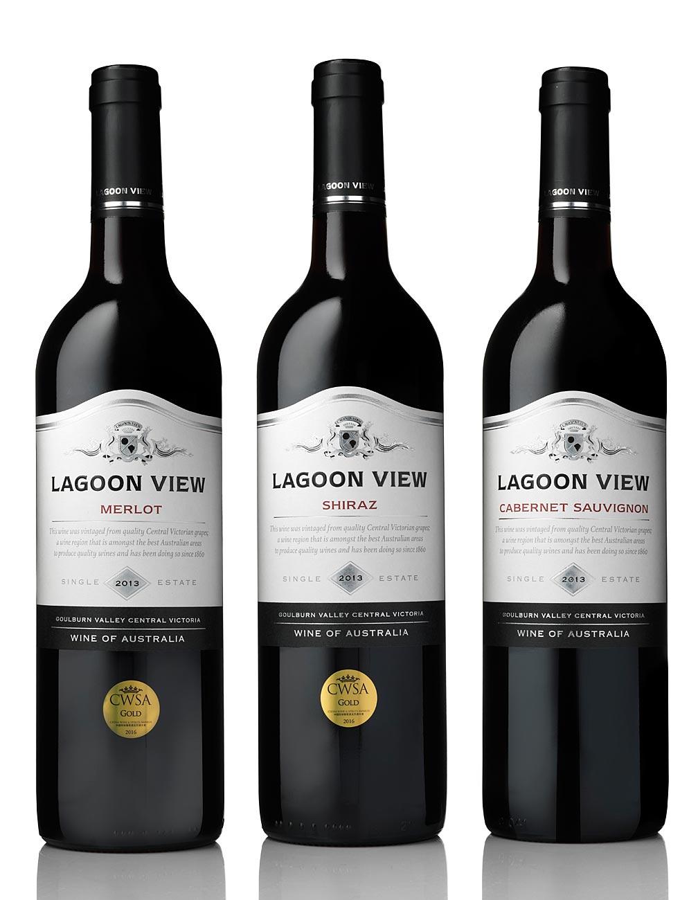 lagoon-view-wine-bottle-photography.jpg