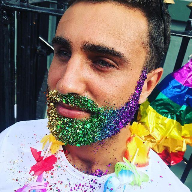 BAR REVENGE! We're glittering at Bar Revenge  from 7 until late!  #pride🌈 #glitterdolls #glitterdollsuk #brightonpride #rainbowglitter #brightonbaby #glitterfest #glitterbaby #glittermad #faceglitter #bodyglitter