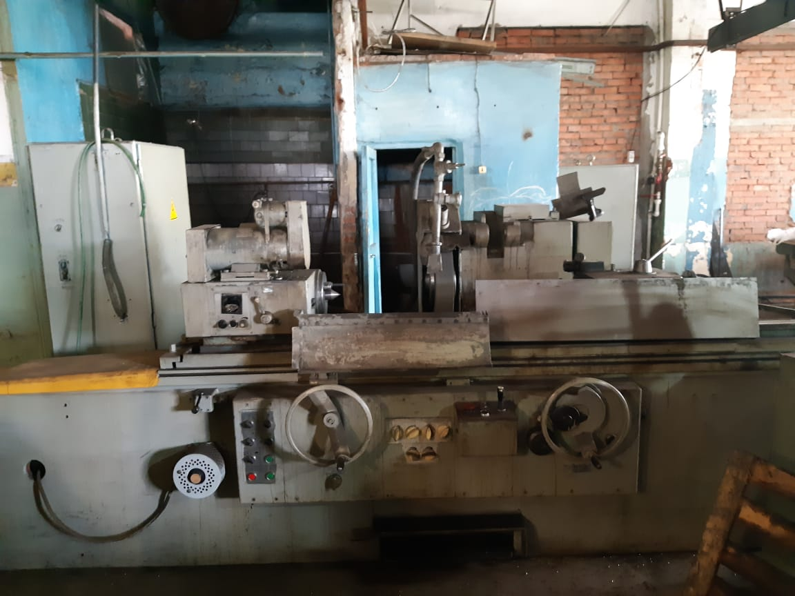 TOS BHU 32A X1500 Cylindrical Grinding Machine