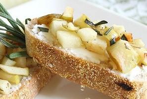 Apple-and-goat-cheese-crostini.jpg