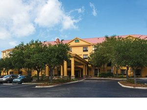 Hospitality Funding Arranges $6.175 Million Acquisition Loan for Bonita Springs Hotel.jpg