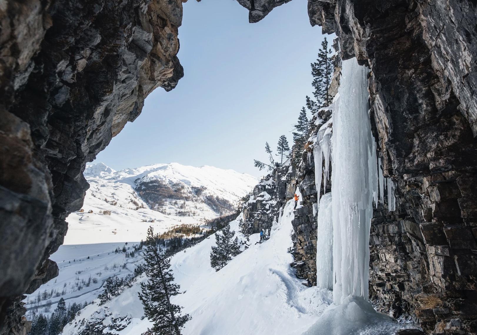 Iceclimbing -