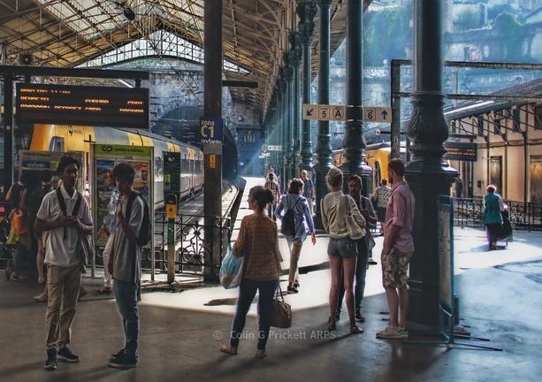 "FG016* -  "" Casual Waiting""   Porto railway station"