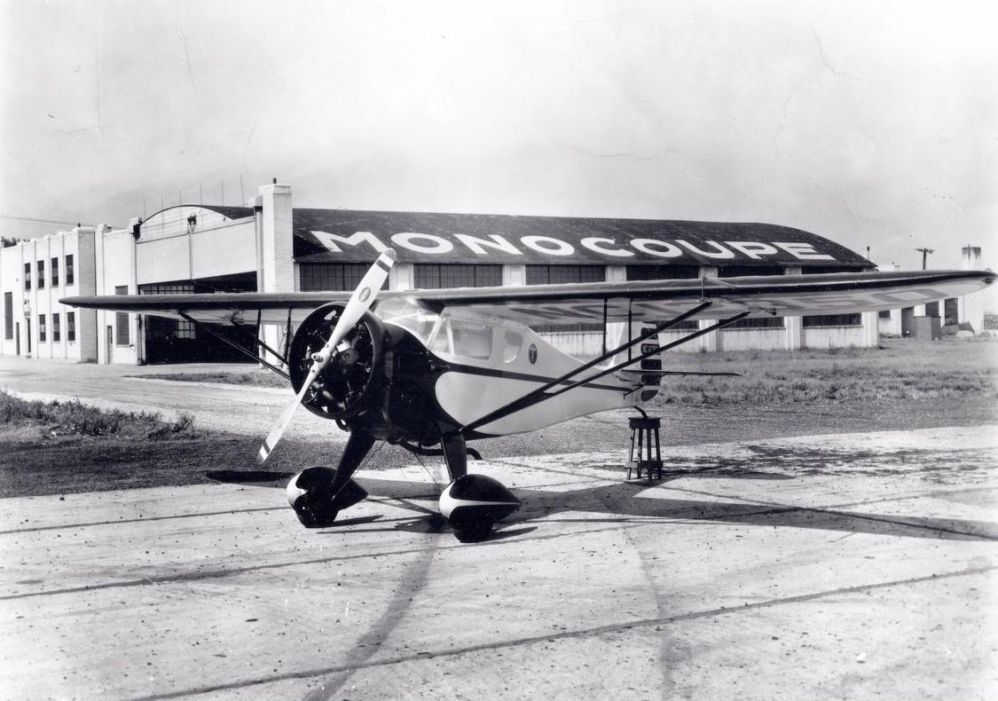 Monocoupe - Lambert Field - 1932.JPG