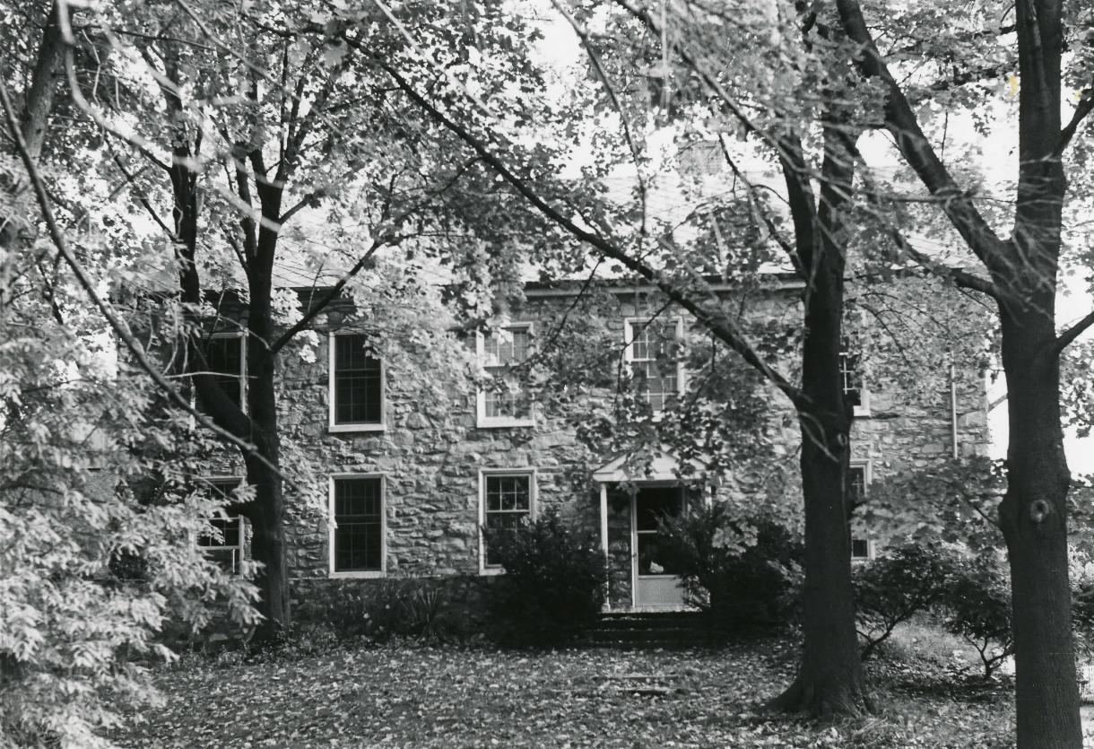 Maulsby Barn - 1969.JPG