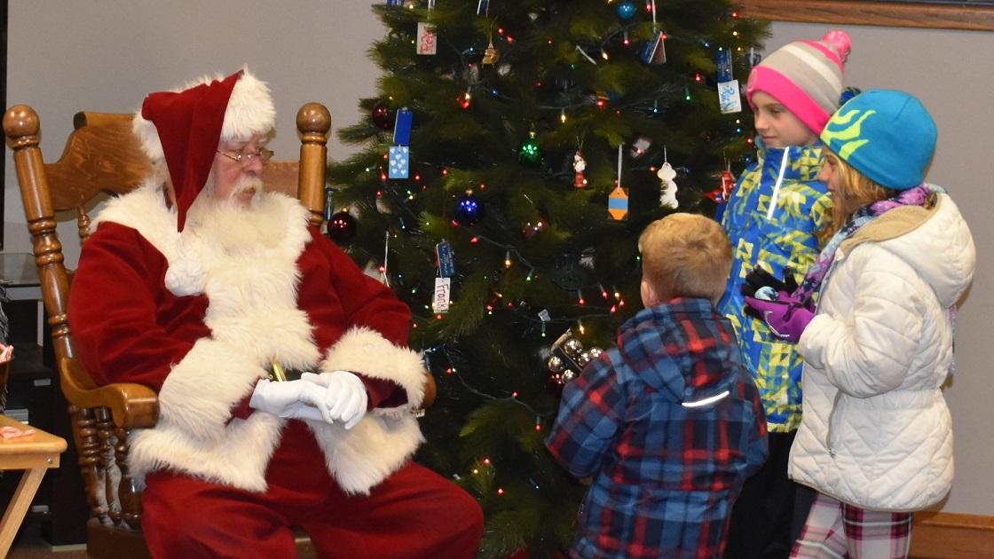 Glenside Local: Santa's Pre-Planning  Visit To Oreland