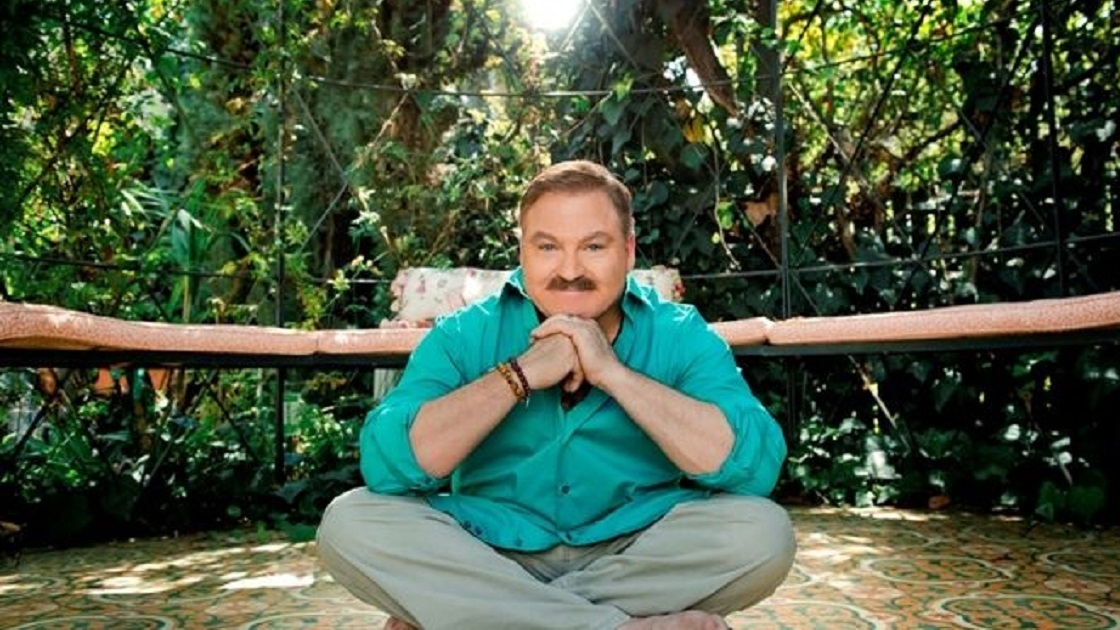 James Van Praagh - Keswick Theater - 1120.jpg