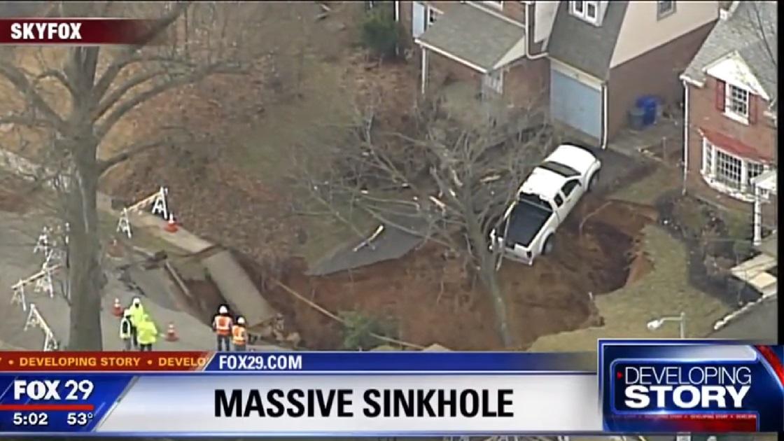 Glenside Local: Glenside Sinkhole - Flashback News Broadcast From FOX29