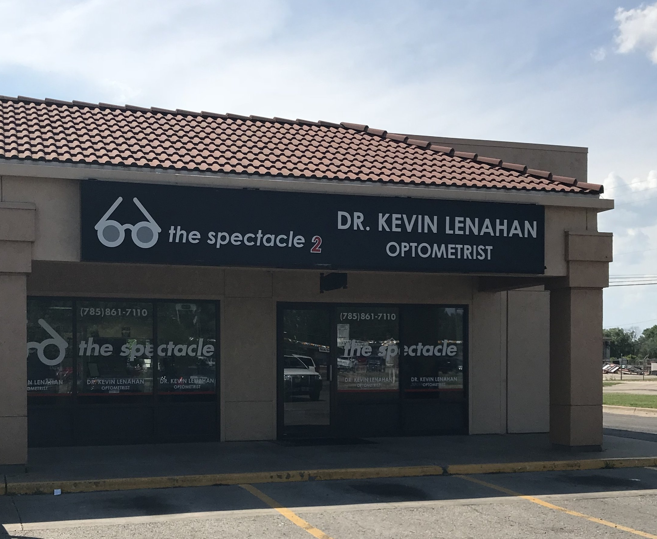 North Topeka - This office became The EyeDoctors Optometrists as of 8/20/19. Click here for details.1835 NW Topeka Blvd., Topeka, Kansas, 66608Phone: 785-861-7110Business Hours:Monday, 9 a.m.- 6 p.m. Tuesday, 9 a.m.-5 p.m. Wednesday, ClosedThursday, 9 a.m.- 5 p.m. Friday 9 a.m.-5 p.m.Closed For Lunch From 1 p.m. to 2 p.m. everyday.