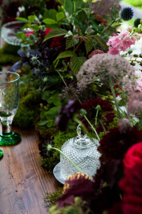 SECRET-WOODLAND-WEDDING-INSPIRATION-8.jpg