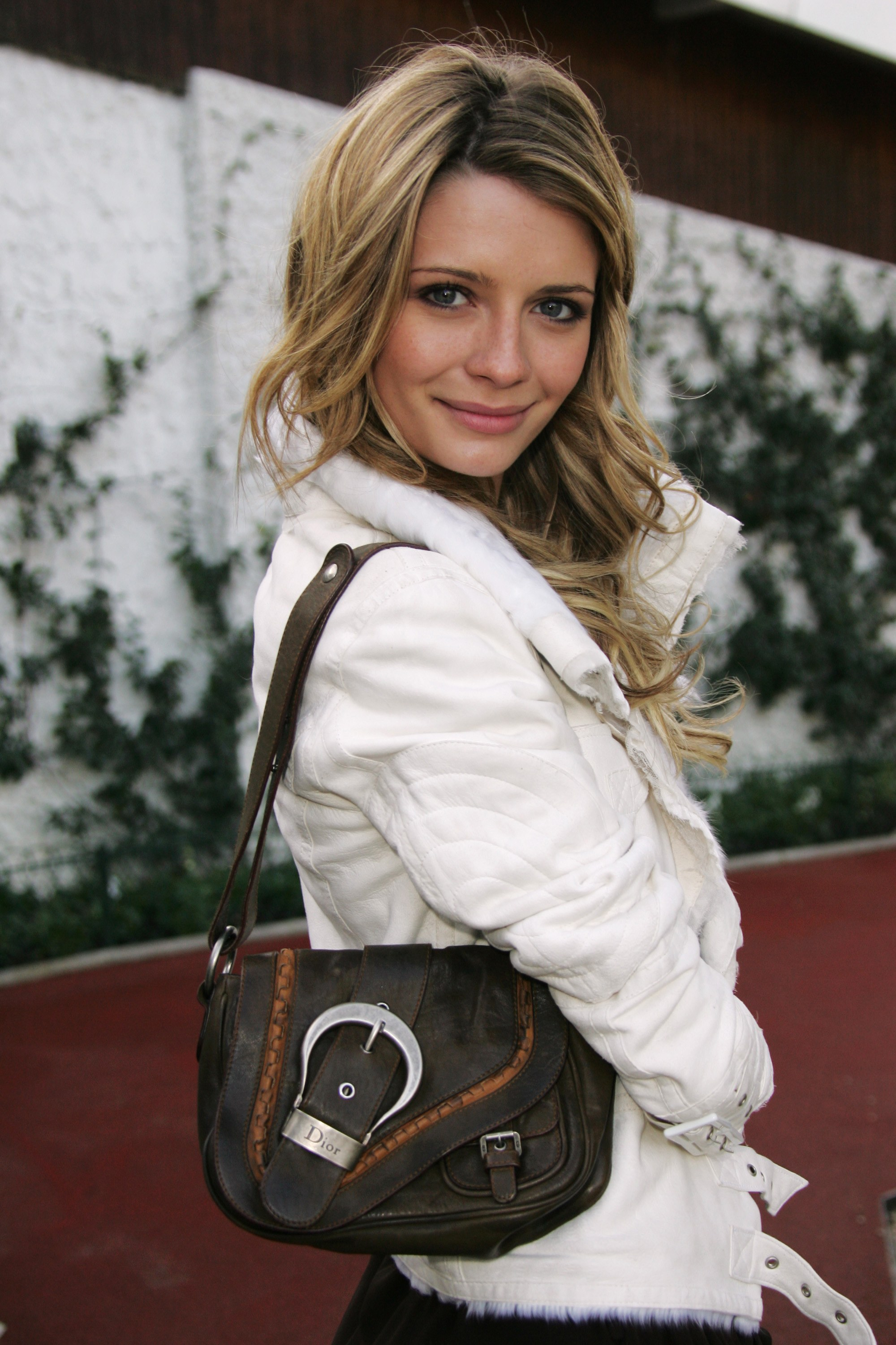 marissa cooper dior saddle bag.jpg
