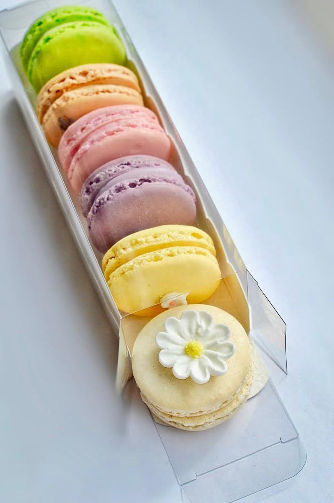 MacaronGiftBox2.jpg
