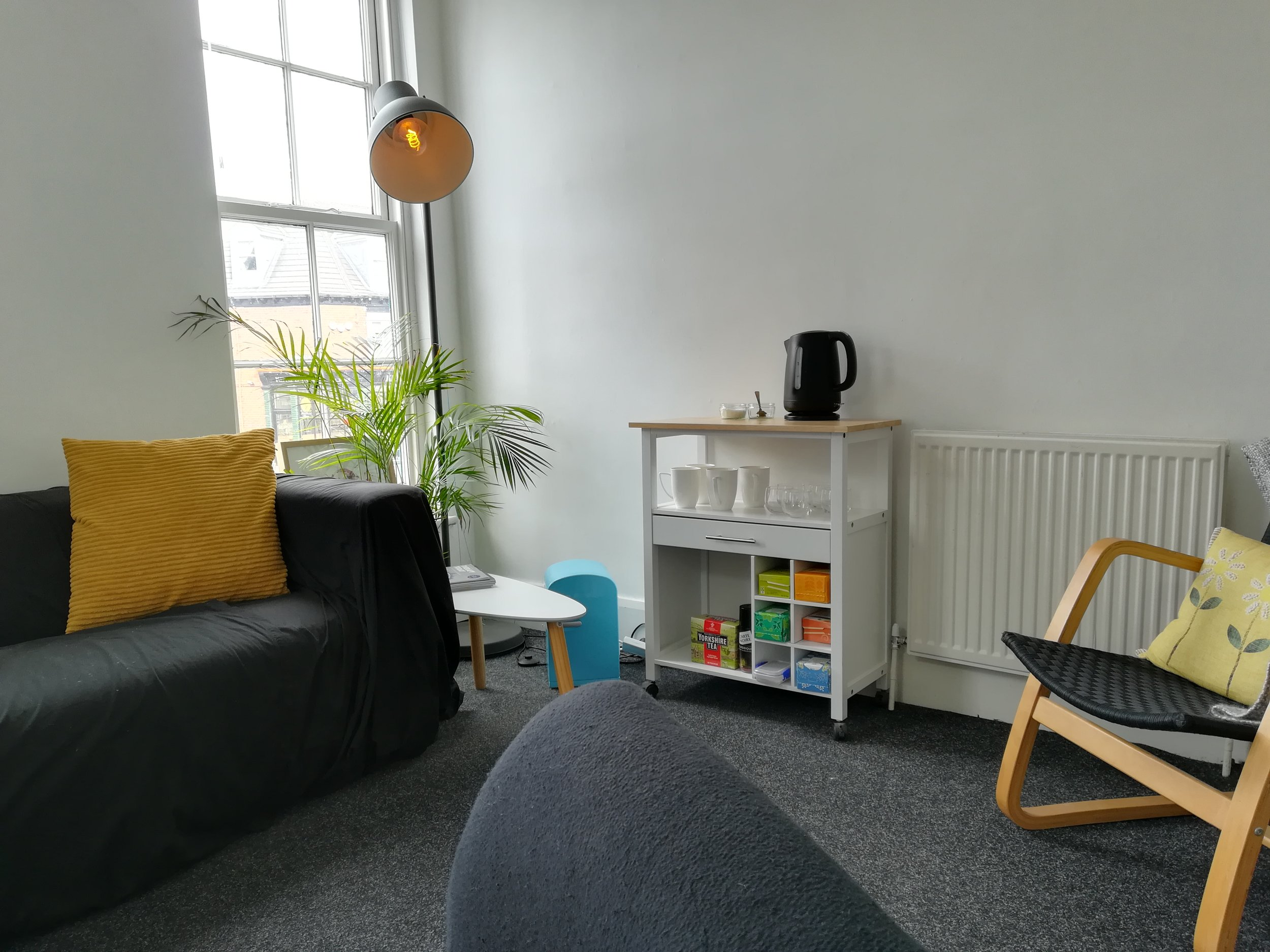 Therapy space to let, central Hull