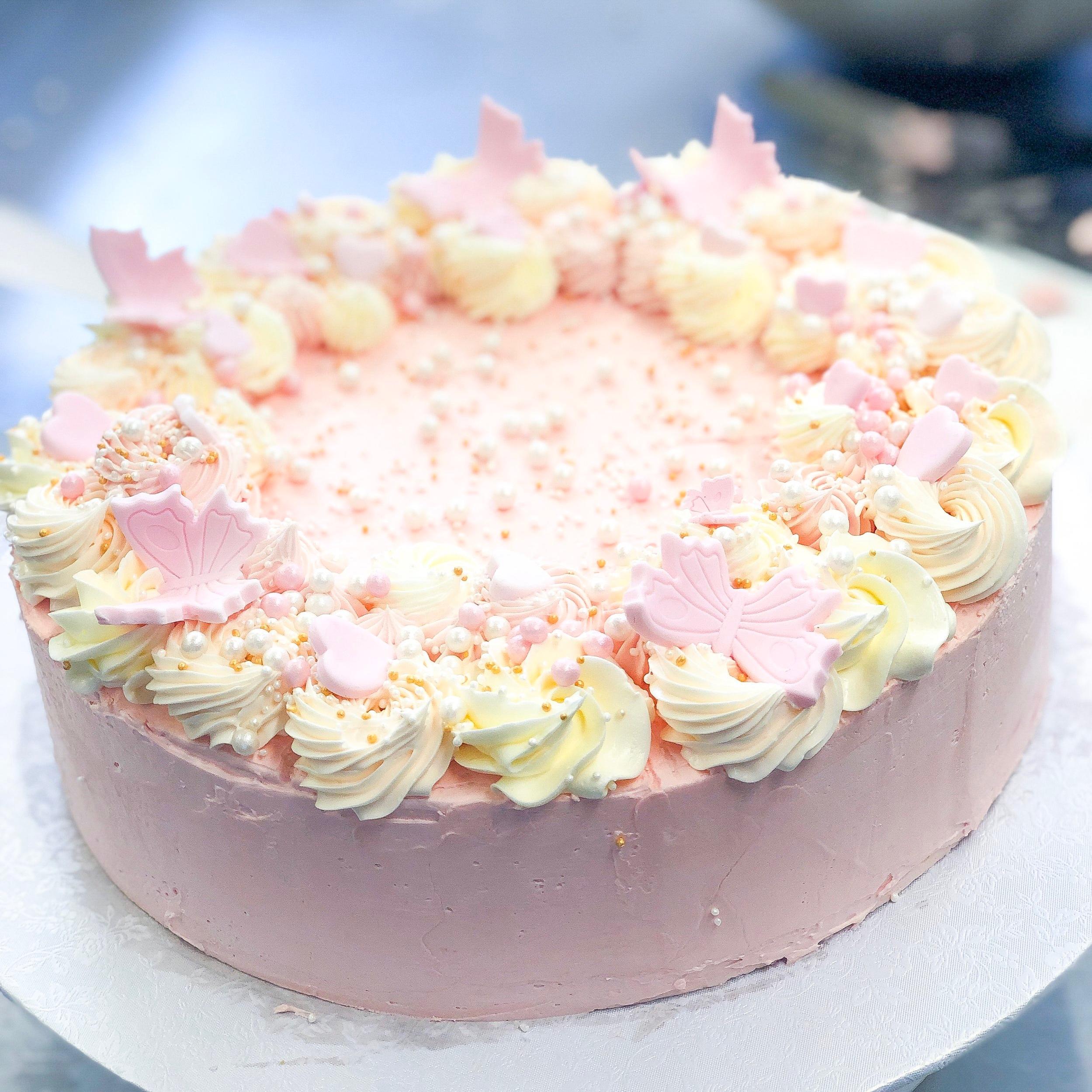 Vaarika-toorjuustu tort