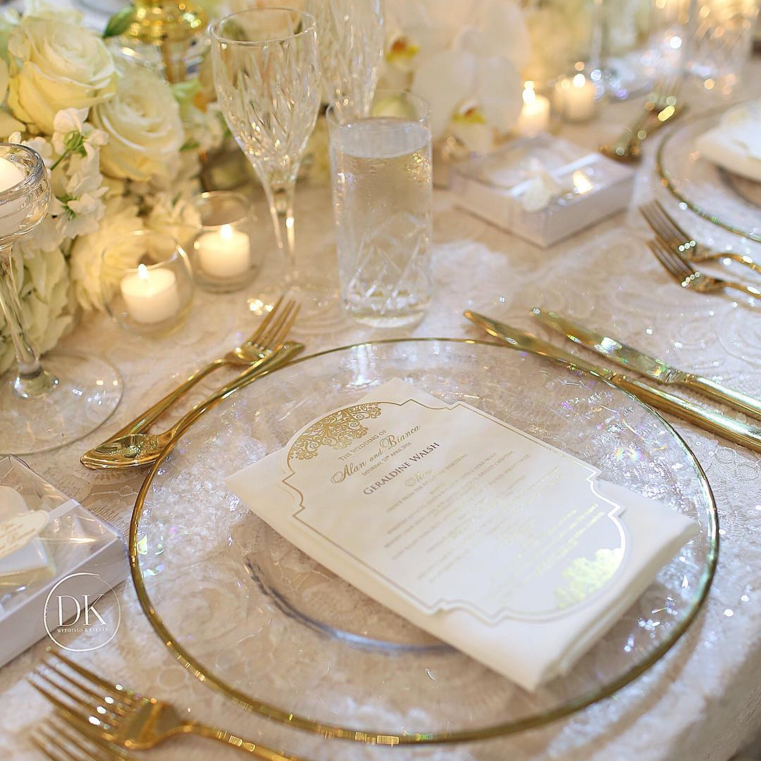 white_windsor_lace_linen_hire_wedding_receptions.jpeg