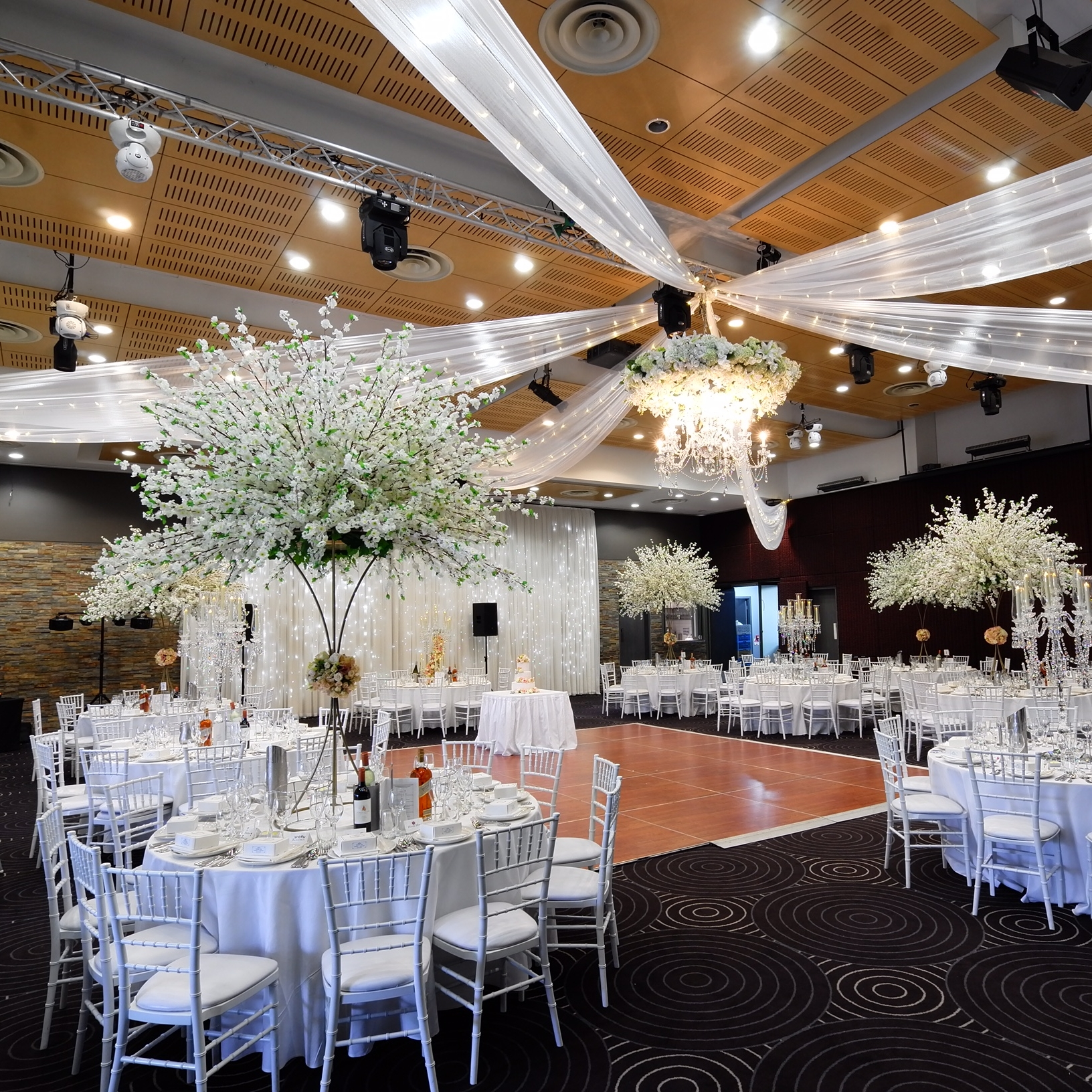 ceiling_draping_fairylights_floral_chadelier_waterview_in_bicentennial_park_weddings.JPG