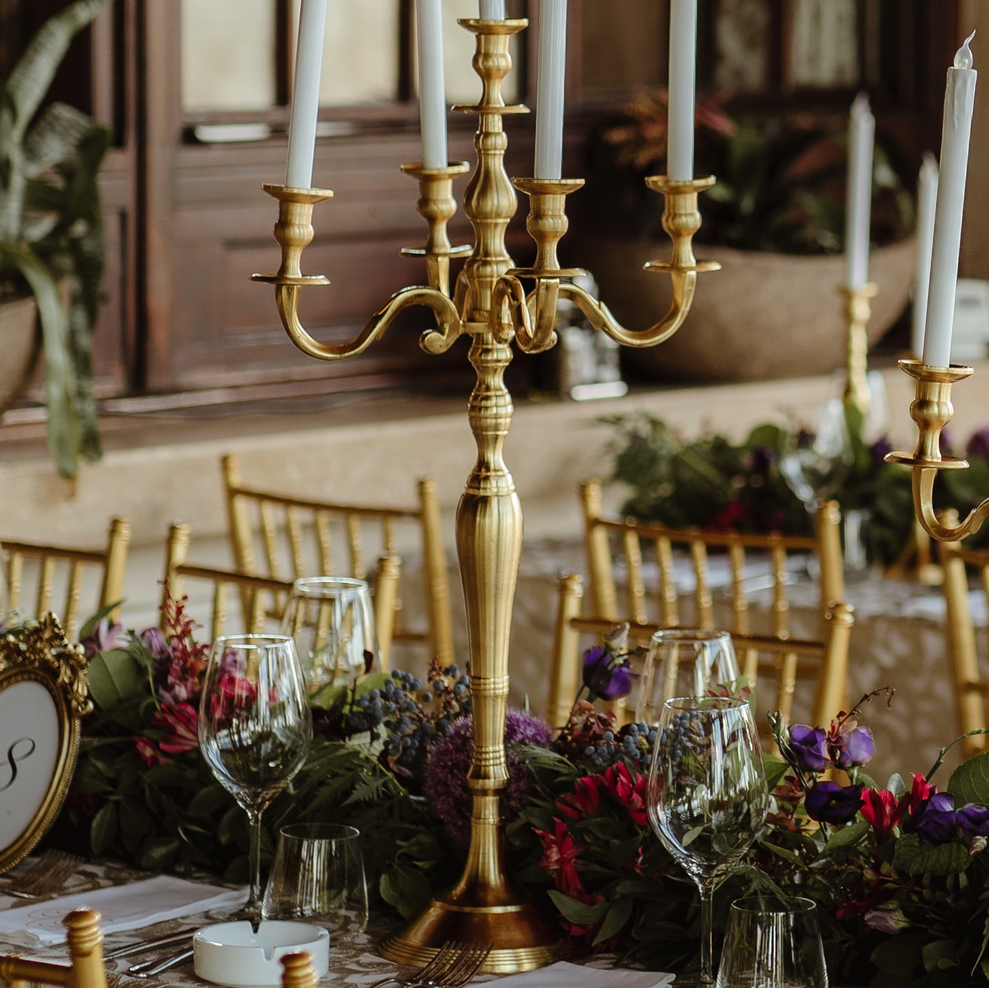 gold_candelabra_centrepiece_wedding.jpg