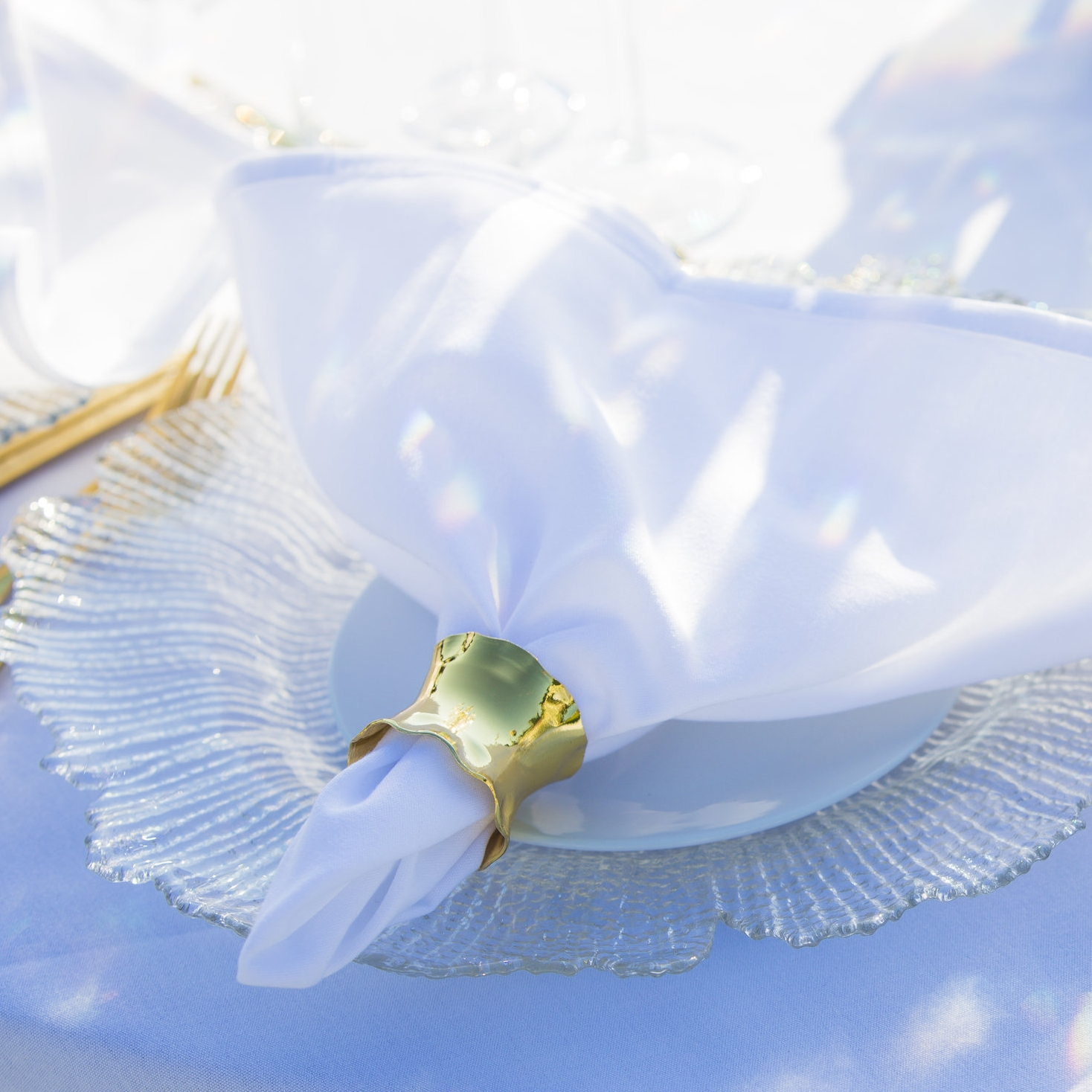 crystal_charger_plate_gold_napkin_ring_cutlery.jpg