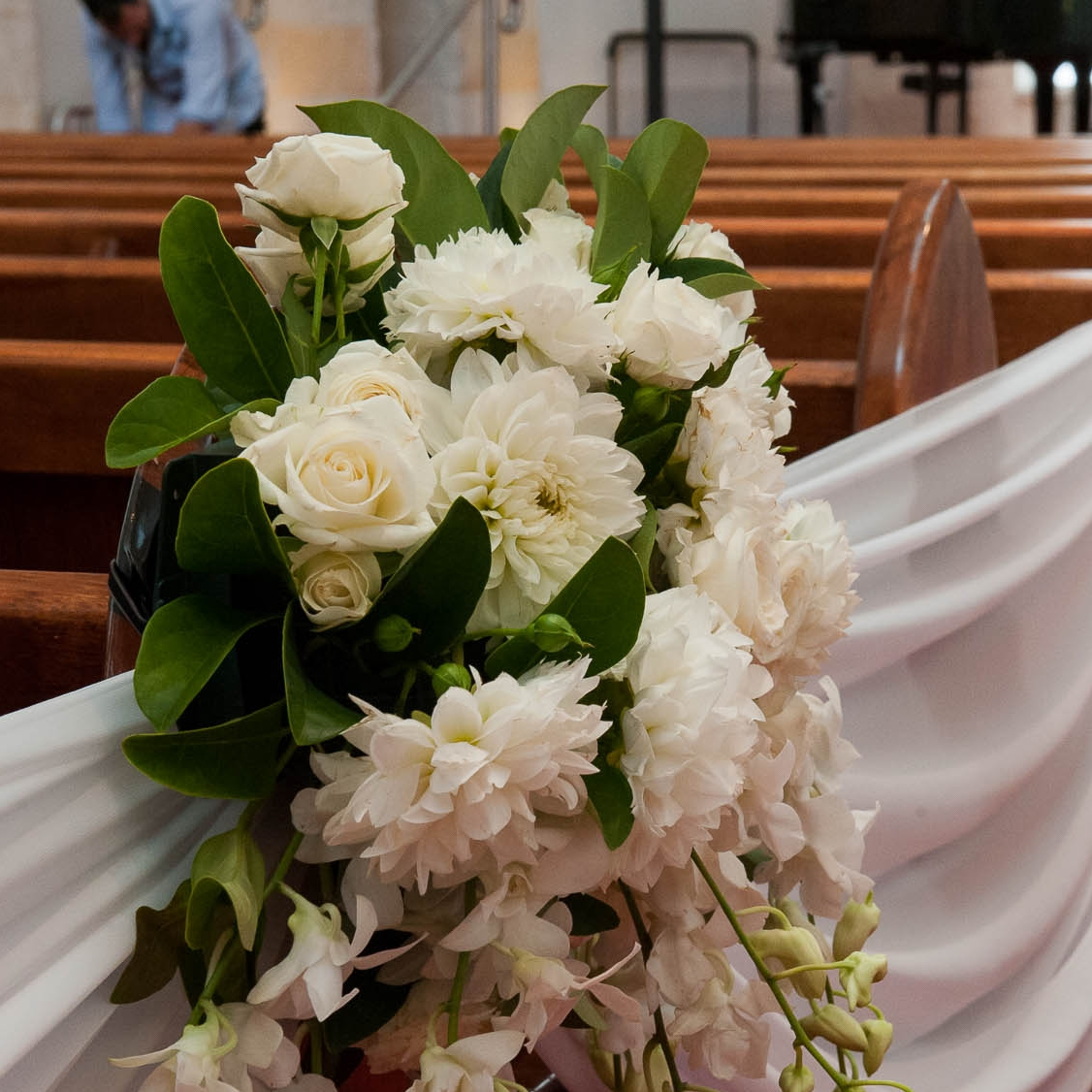 fresh_floral_ceremony_pew_ends_4.jpg