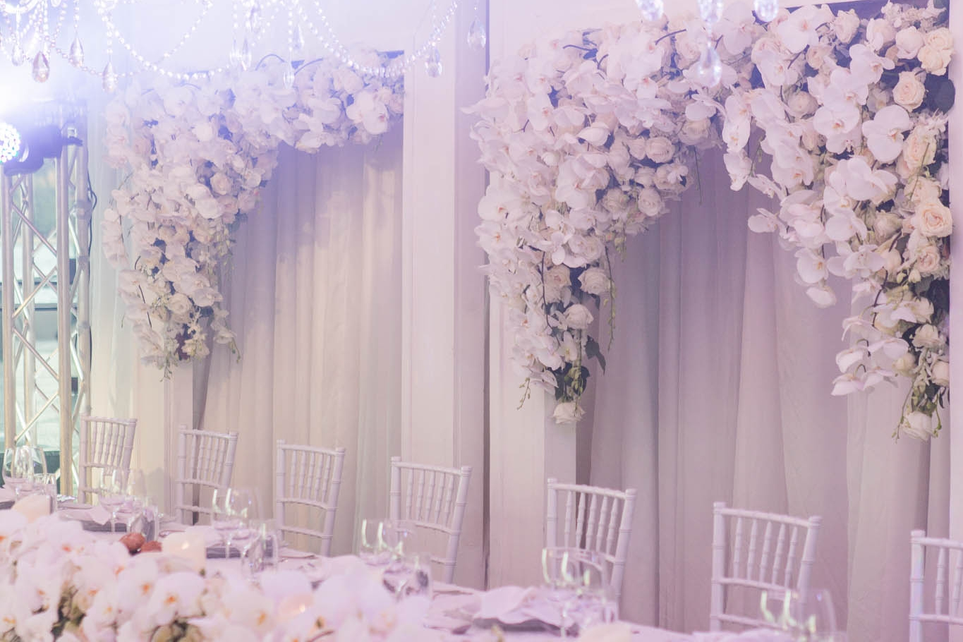 AN ELEGANT WHITE WEDDING