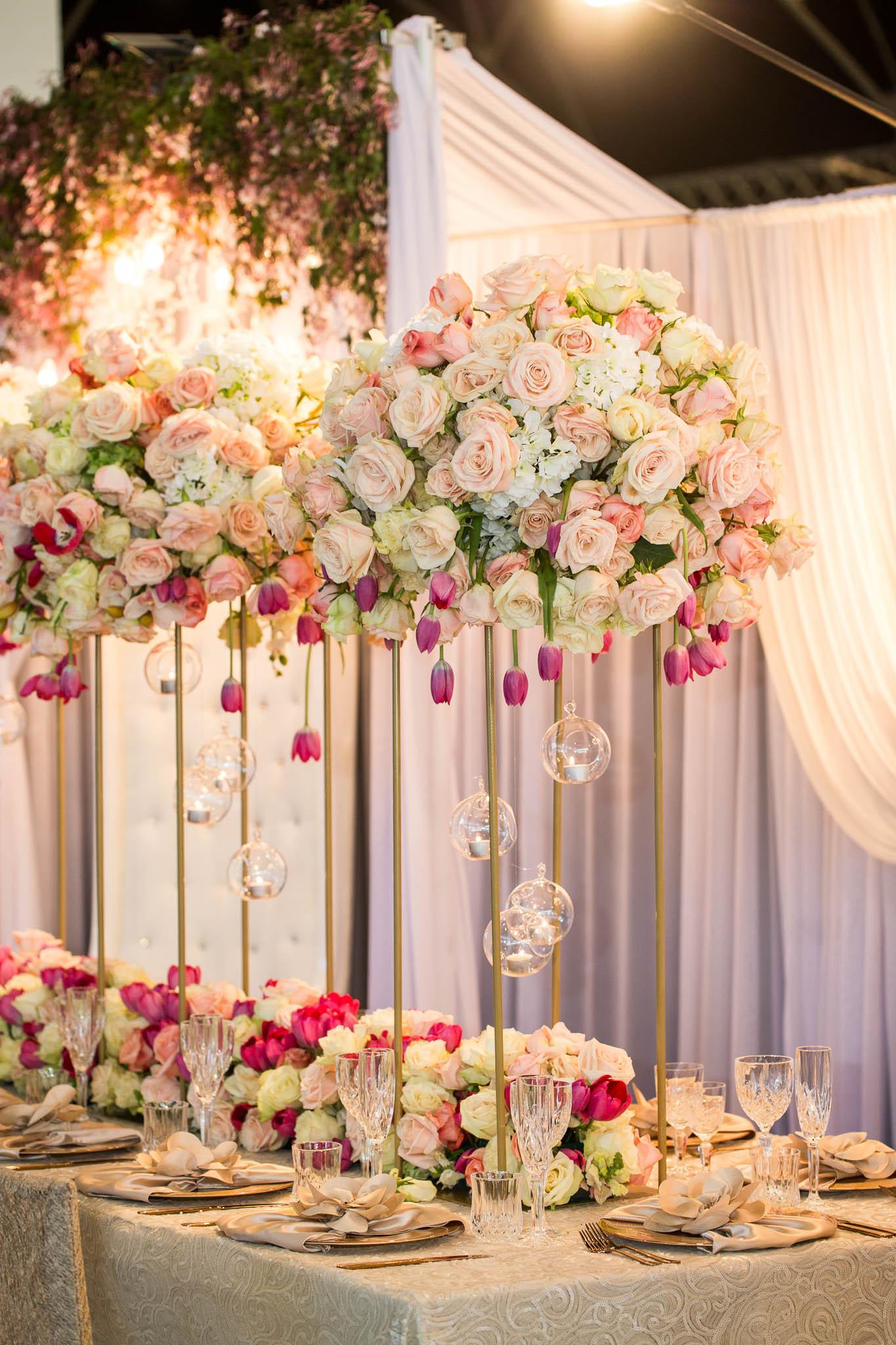 gold_carly_stand_fresh_floral_wedding_centrepiece.jpg