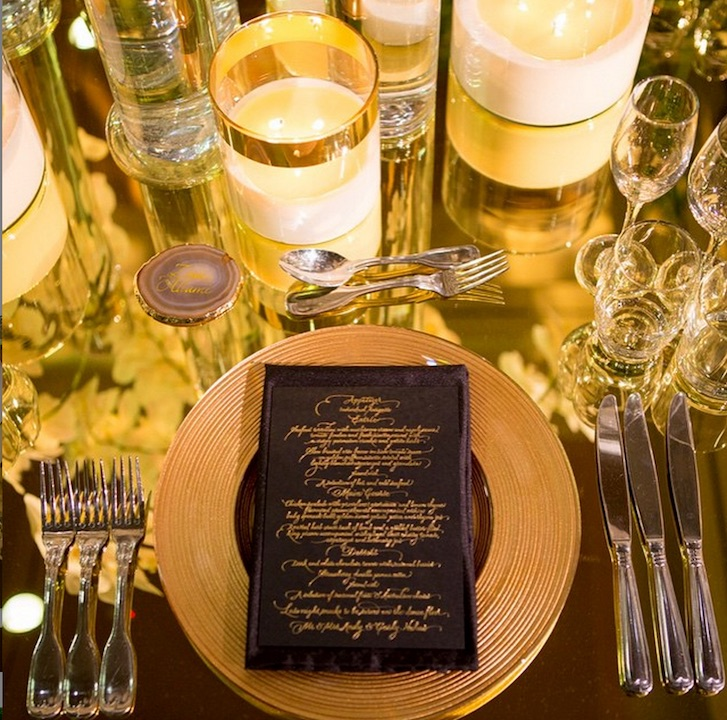 waterview_venue_wedding_gold_glass_charger_plate copy.jpg