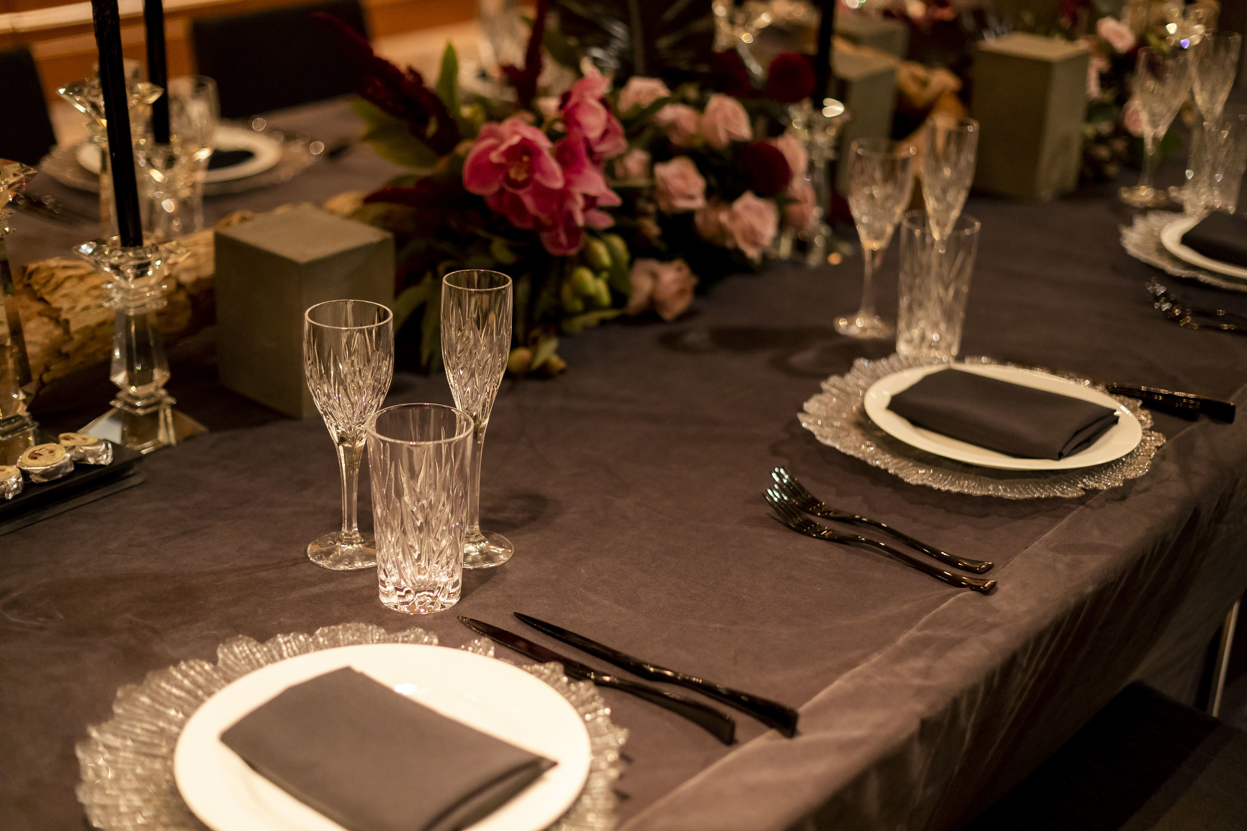 Corporate_dinner_event_design_Sydney_Inlighten_Photography_flowers_charger_plates_black_cutlery_events_by_nadia_5.jpg