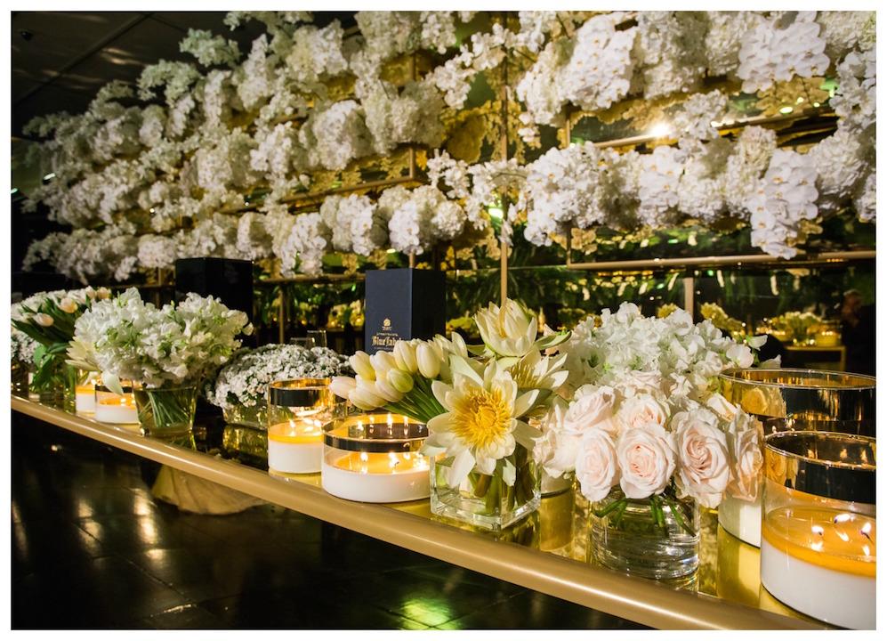 Waterview_custom_gold_mirror_acrylic_bridal_table_backdrop.jpg