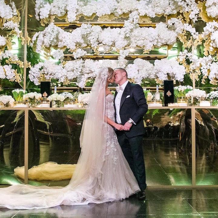 Customised gold bridal table .jpg