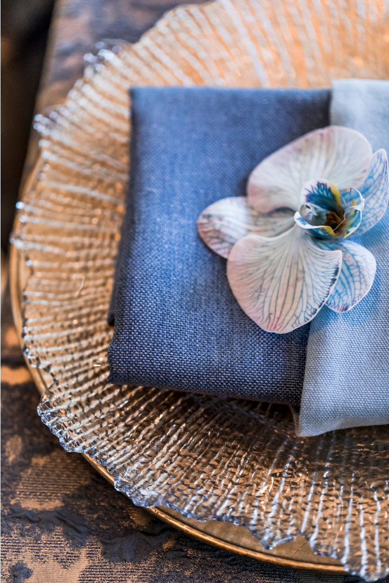 slate_plaster_luxury_linen_wedding_decor_sydney_tablecloth_blue_gold_theme_gold_charger_plate_inlighten_photography.png