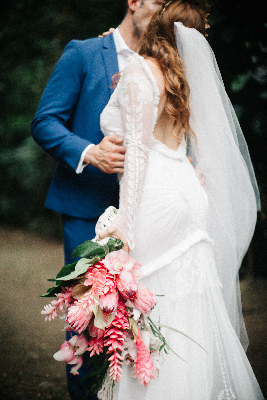 Fiji wedding - bride bouquet.jpg