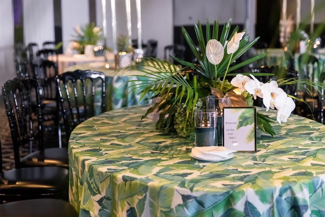 Hire_Palm_spring_luxury_linen_sydney_wedding_event_palm_centrepeice_black_chair_palms.JPG