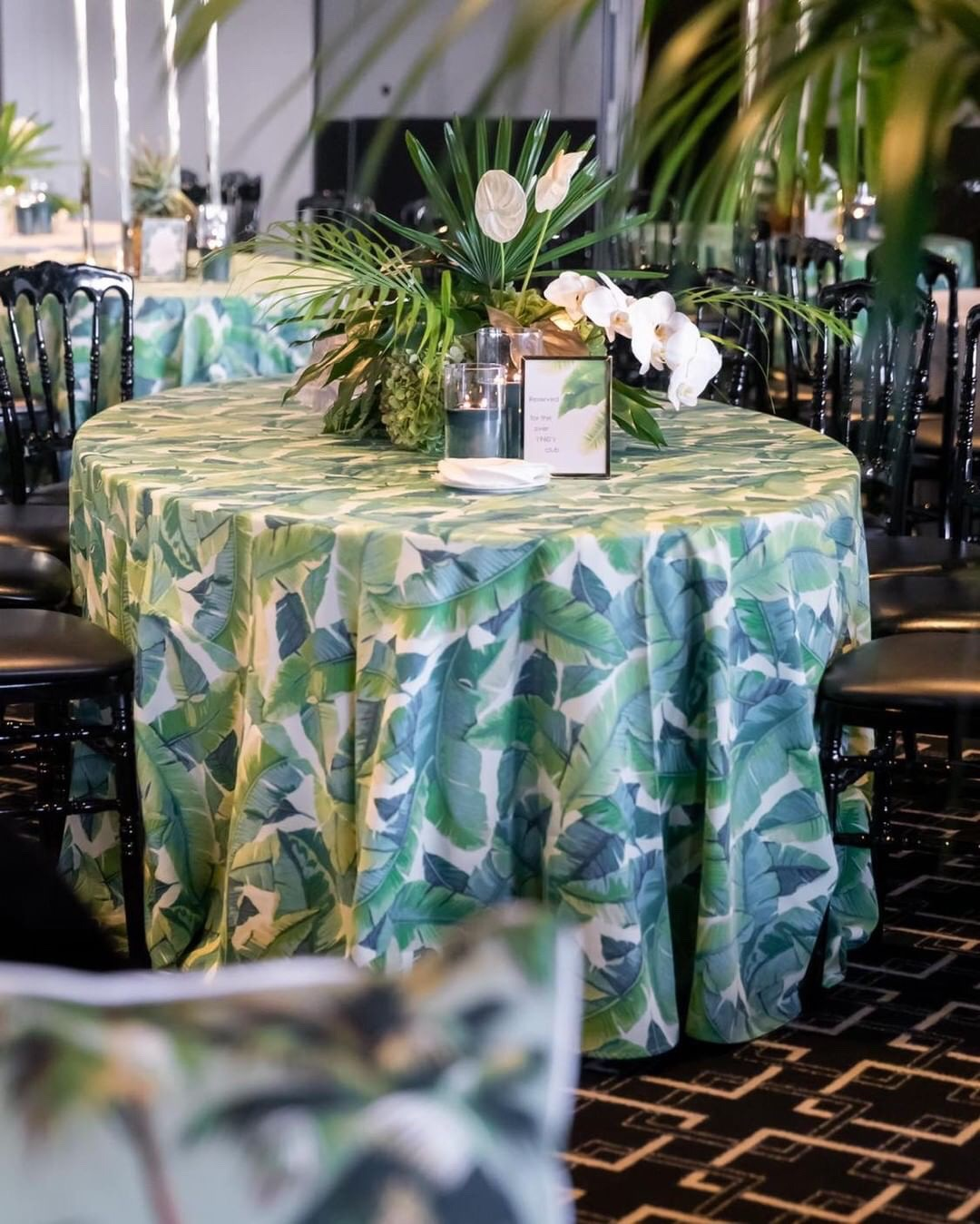 Hire_Palm_spring_luxury_linen_sydney_wedding_event_palm_centrepeices.JPG