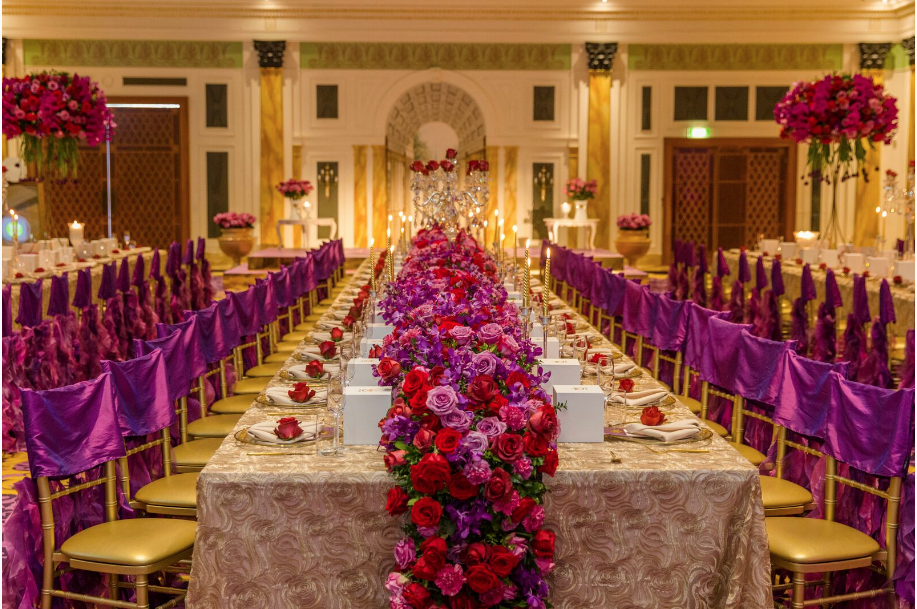 Hire_gold_emma_luxury_linen_sydney_wedding_decor_table_centrepeices_roses_purple_red.png
