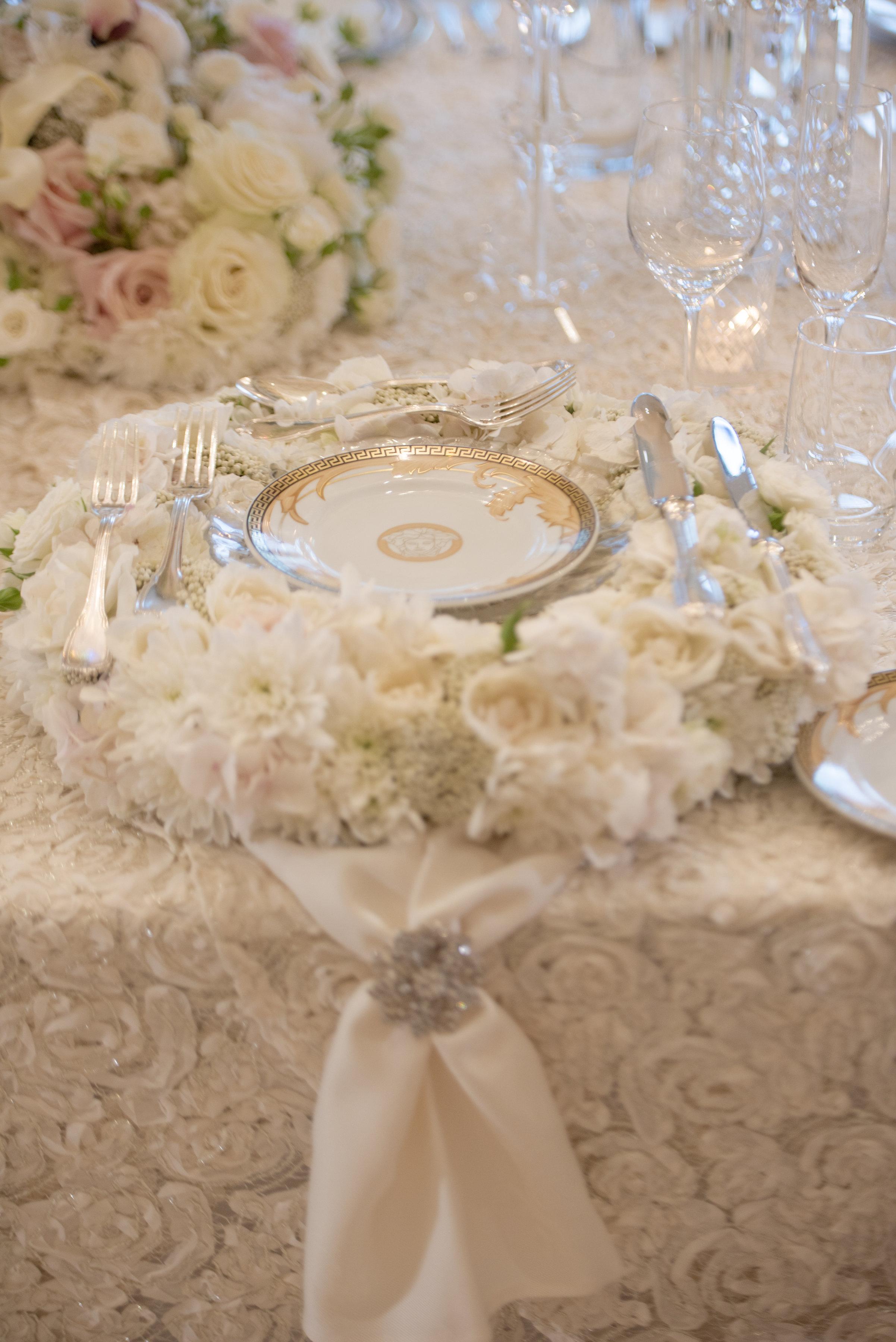 Hire_Ivory_rose_luxury_linen_sydney_wedding_decor_event_Versace_Decor_charger_plate_napkin_ring.jpg