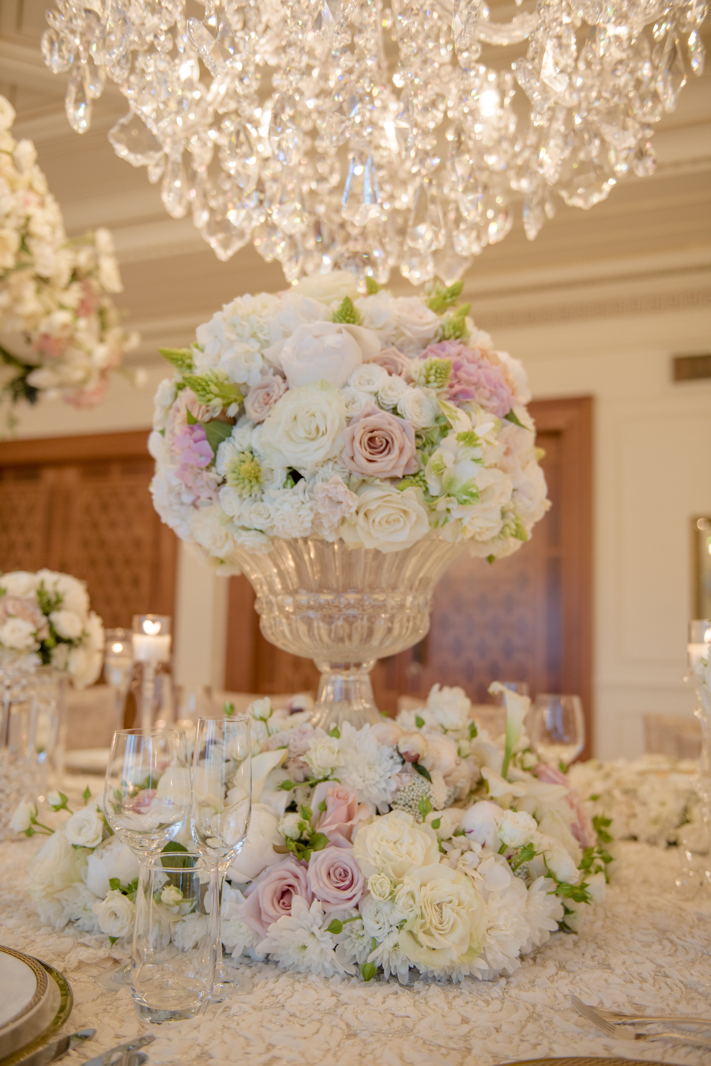 Hire_Ivory_rose_luxury_linen_sydney_wedding_decor_event_Versace_Decor_floral_centrepeice_white_pink_chandelier.jpg