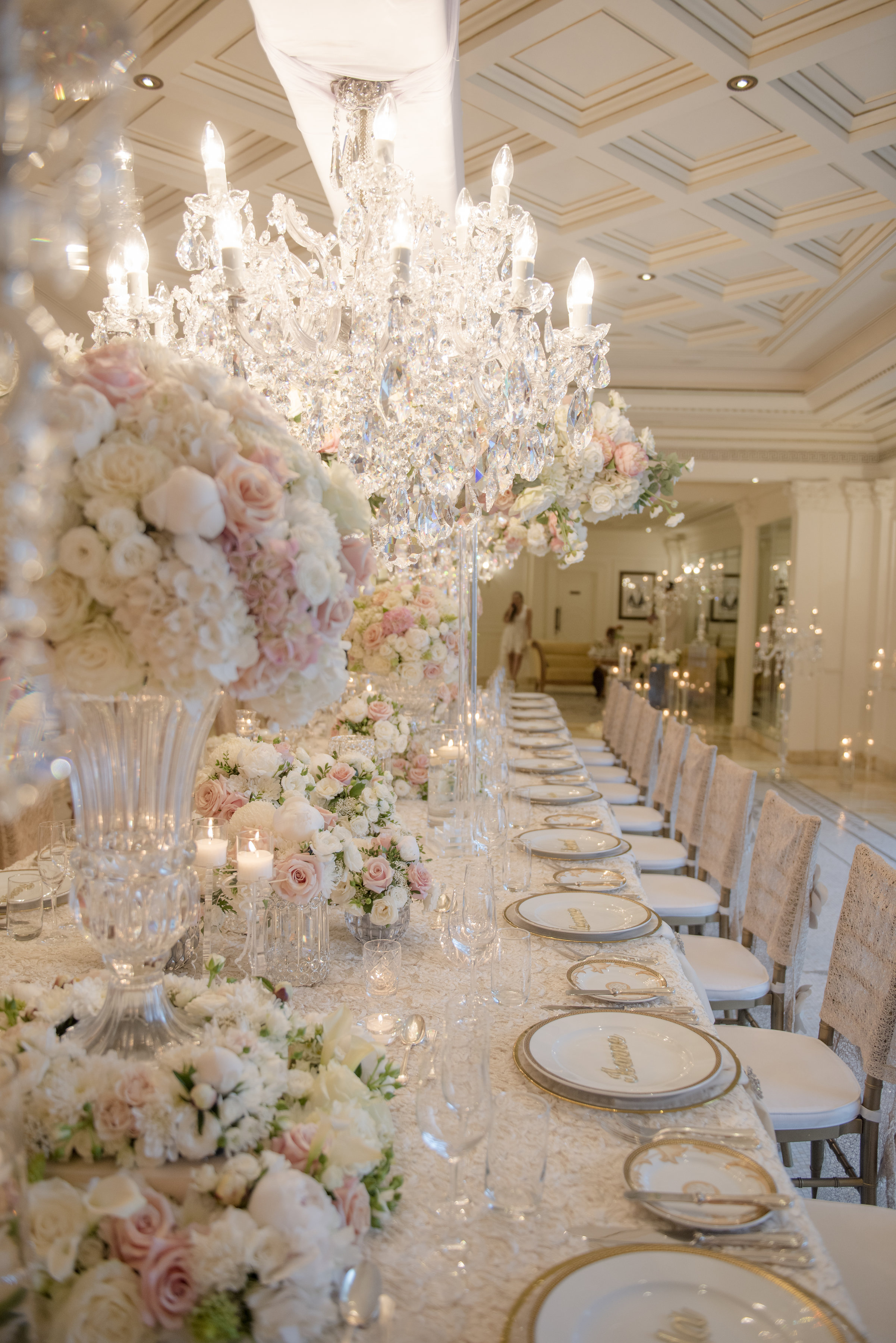 Hire_Ivory_rose_luxury_linen_sydney_wedding_decor_event_Versace_Decor_king_table_setting_charger_plates 1.jpg