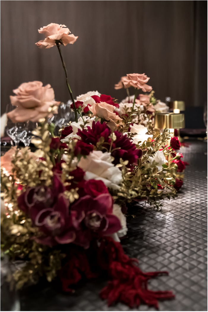 Hire_black_channel_luxury_linen_event_decor_sydney_red_flowers_cream_roses_gold _flowers.png