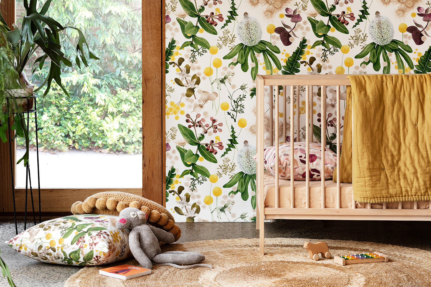 Louise Jones Collaborate Gold wallpaper