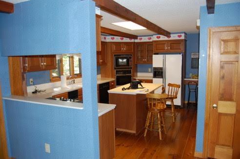 Kitchen old 2.jpg